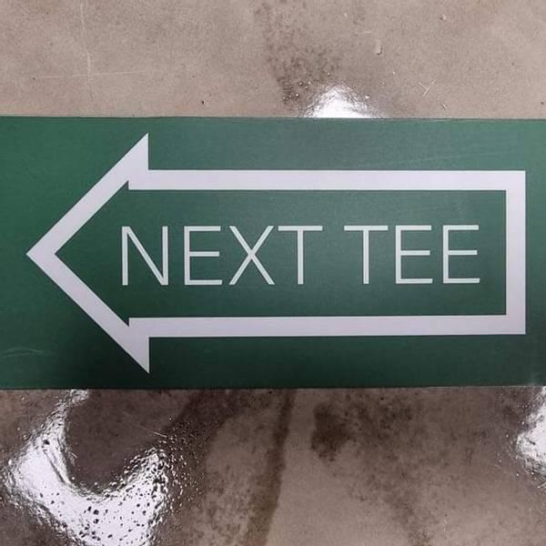 Bilde av Next Tee Skilt Venstre